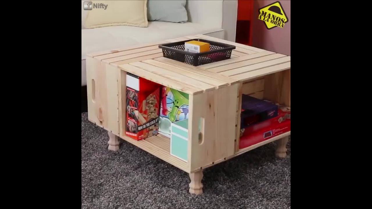Mesa linda de centro feita com caixas de frutas de madeira