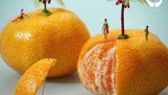 Miniaturas De Pessoas Com Objetos Grandes, A Criatividade É Muito Legal!
