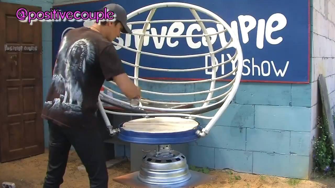 Olha só que legal que este cara faz com materiais recicláveis