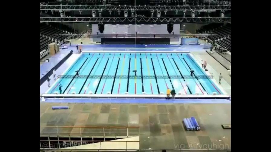 Piscina olímpica sendo construída na Royal Arena na Dinamarca