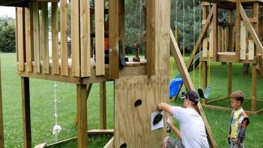 Playground Para Criança Feito De Madeira, O Pai Fez Para Filha!