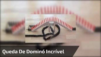 Que Vídeo Legal! Essa Galera É Fantástica Em Fazer Lindas Quedas De Domino!