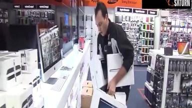 Se Você Tivesse 2 Minutos Para Pegar O Que Quisesse Nesta Loja, O Que Pegaria?