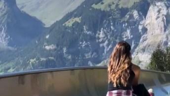 Tobogã Nas Montanhas, Veja Que Lugar Maravilhoso Para Descer Escorregando!
