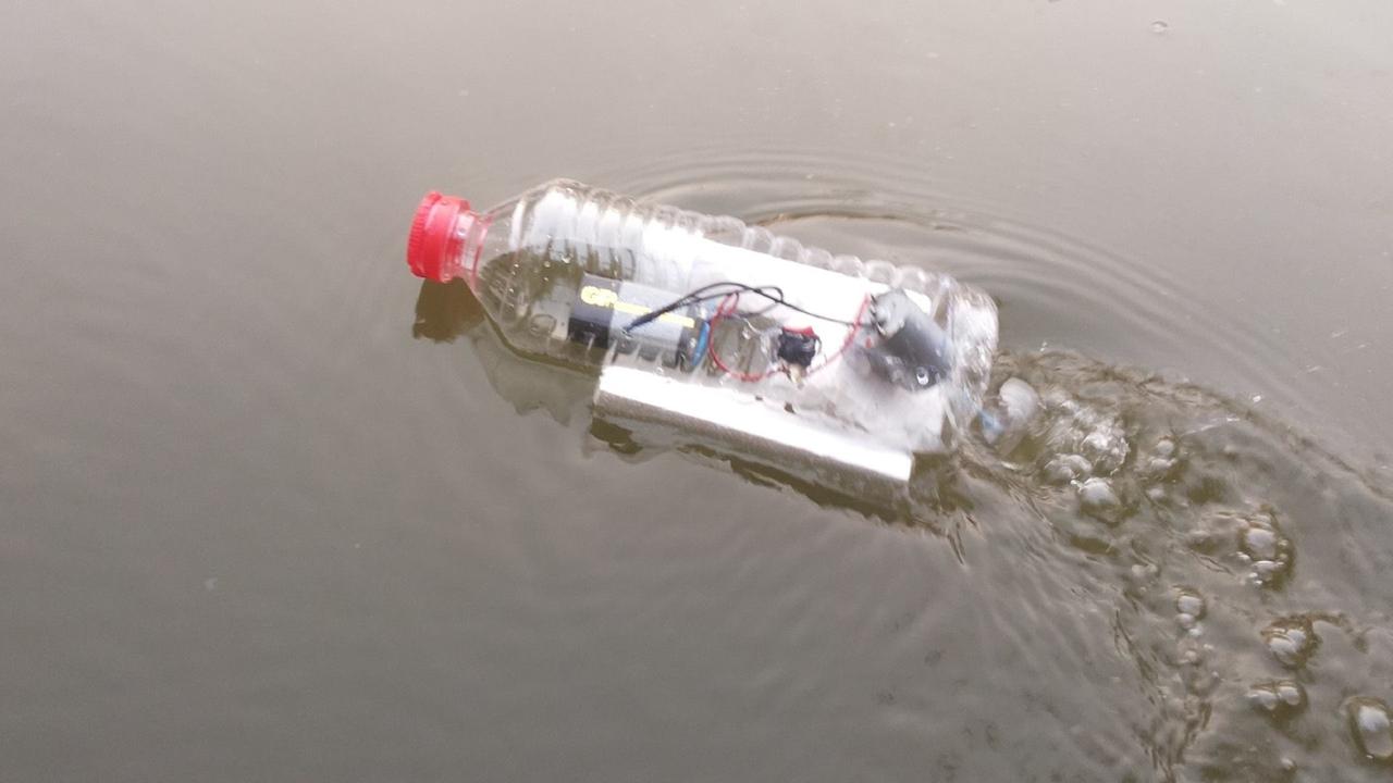 Tutorial de como fazer um barquinho com garrafa PET de água