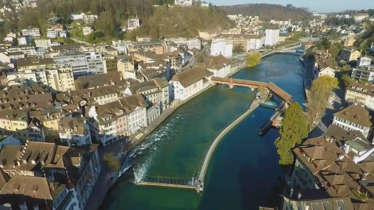 Vídeo mostrando um pouquinho de Lucerna-Suíça, simplesmente lindo!!!