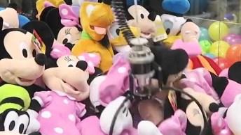 Vídeo Muito Legal Mostrando Como Conseguir Pegar Aqueles Bichinhos Na Maquina!