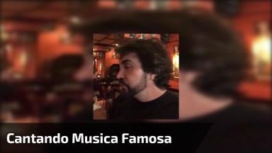 Padre Fabio De Melo Cantando O Hino 'Evidências', Confira!