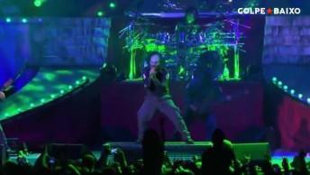 Para Todos Apaixonados Por Rock, Veja Só Slipknot Cantando Living La Vida Loca!