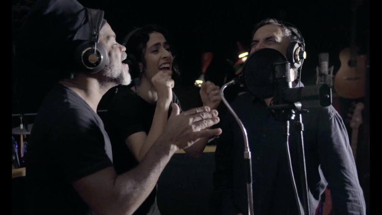 Vídeo com musica Trabalivre dos Tribalistas