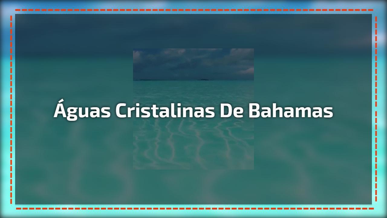 Águas cristalinas de Bahamas