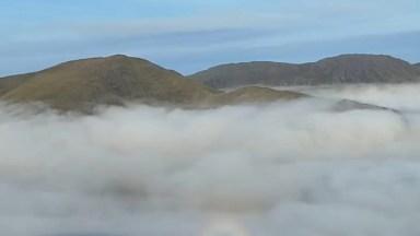 Barraca No Alto De Uma Montanha Com Lindas Imagens Da Manhã!