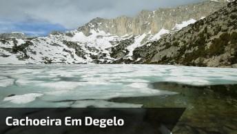 Cachoeira Em Degelo, Olha Só Que Coisa Mais Linda Este Fenômeno Da Natureza!