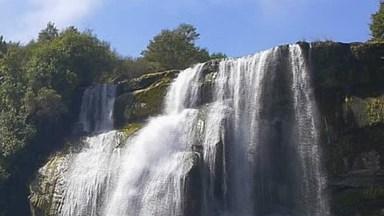 Cachoeira Linda, A Natureza Nos Presenteia Com Estes Belíssimos Lugares!