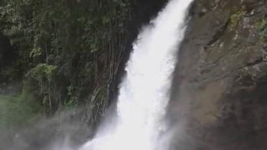 Cachoeira Linda Em Algum Lugar Do Mundo, A Natureza É Maravilhosa!