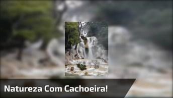 Cachoeira Maravilhosa Com Uma Queda D'Água Impressionante, Confira!