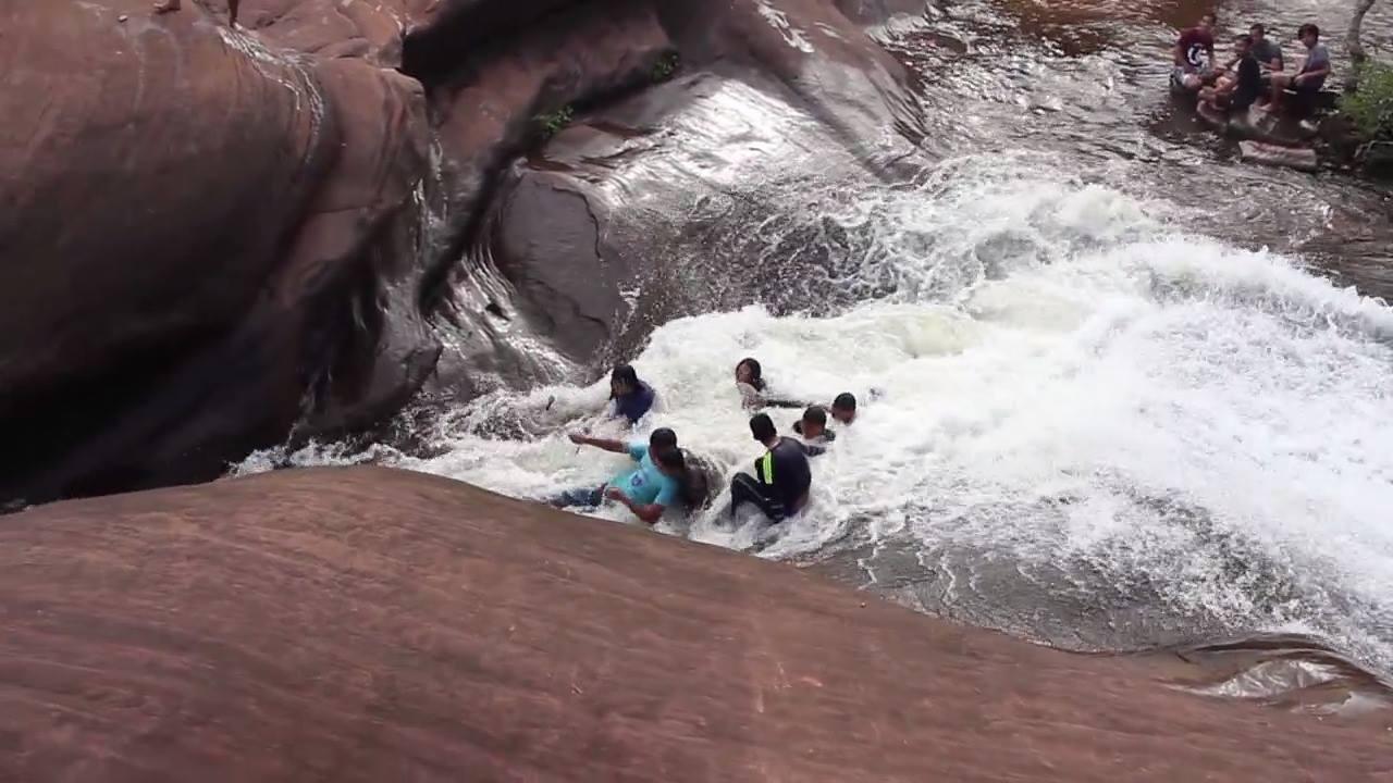 Cachoeira na Tailândia que parece mais um Toboágua