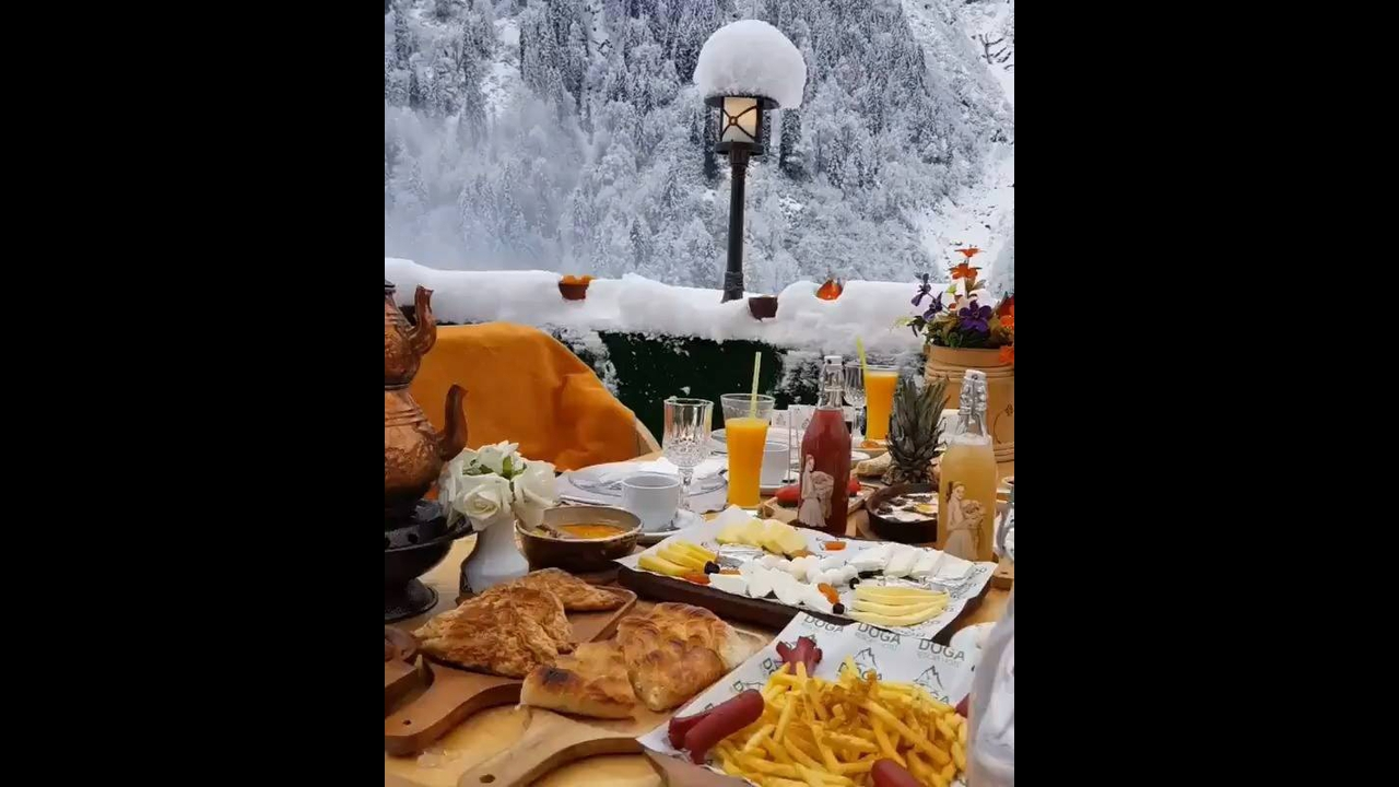 Café da manhã em um hotel na Turquia no inverno