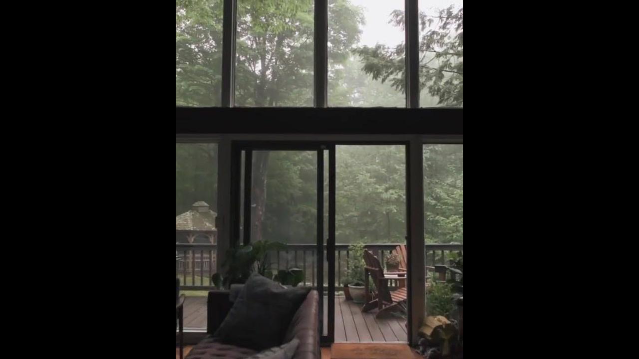 Casa com sacada com paisagem natural fantástica