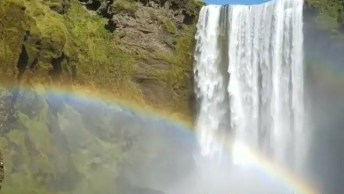 Cascata Na Islândia, Um Lugar Abençoado Pela Natureza, Confira!