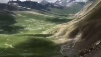 Estrada Em Montanha Cercada Por Natureza, Veja Que Lindas Imagens!