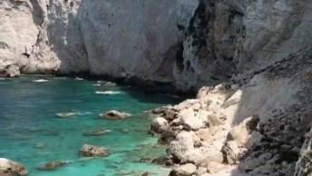 Ilha De Paros-Grécia! Um Lugar Extremamente Lindo, Rodeada Por Natureza!