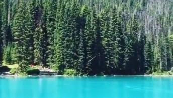Lago Emerald, Um Lugar Maravilhoso Para Você Visitar No Canada!