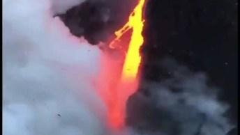 Lavas Vulcânicas Caindo No Mar, A Natureza É Sensacional!