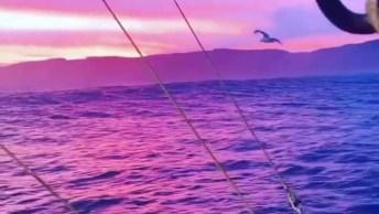 Lindo Por Do Sol Em Alto Mar, Veja Que Imagens Fantásticas, Vale A Pena Conferir