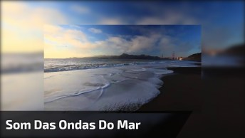 Momento De Curtir O Som Do Mar Batendo Suas Águas Na Areia Da Praia!
