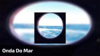 Onda Do Mar Vista Por Janelinha Em Navio, Veja Que Impressionante!