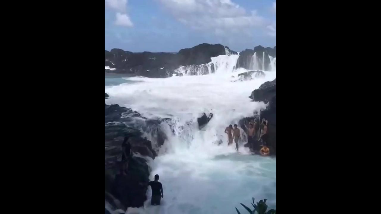 Ondas do mar sobre pedreiras nas Filipinas, veja a força da água!!!