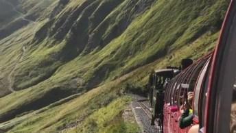 Passeio De Trem Pelas Montanhas, Veja Que Lindas Imagens Da Natureza!