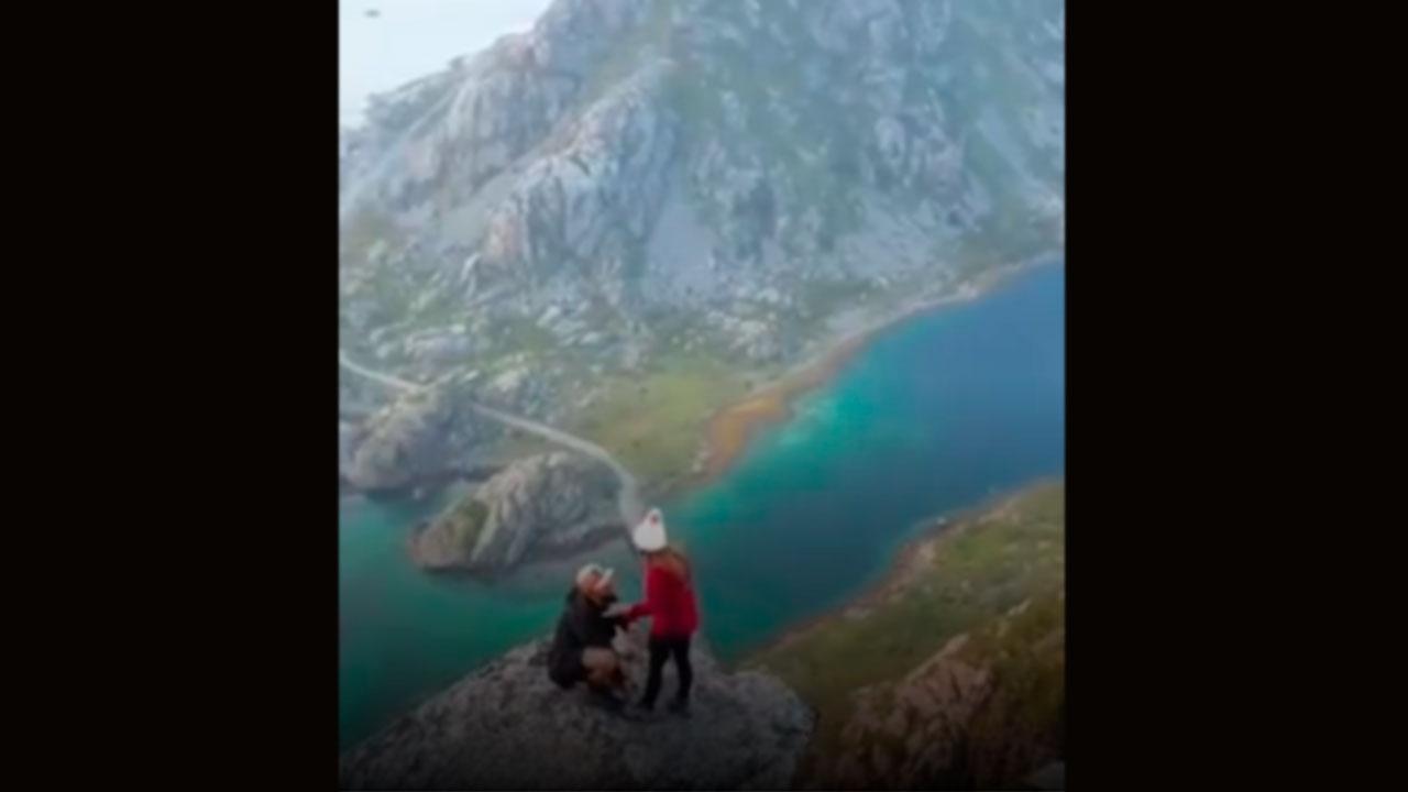 Pedido de casamento no alto de uma montanha na Noruega