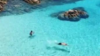 Praia Em Sardenha, Veja Que Águas Cristalinas Simplesmente Lindo!