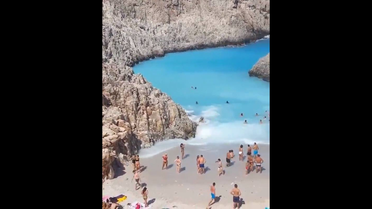 Praia na Grécia, veja que coisa mais linda de lugar