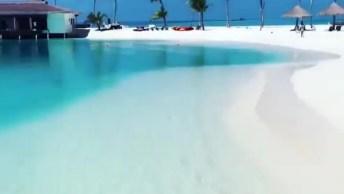 Praia Na Ilha Maldivas, Veja Que Lugar Espetacular Com Águas Cristalinas!
