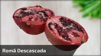 Romã Sendo Descascada, Olha Só Que Fruta Maravilhosa, E Muito Boa Pra Saúde!