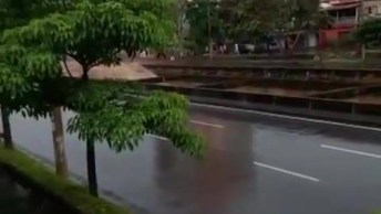 Tromba D'Água Em Goiás Vídeo Assustador, A Natureza É Implacável!