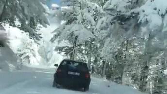 Vídeo Mostrando Estrada Depois De Nevasca, Olha Só Que Lindas Imagens!