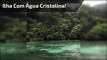 Vídeo Mostrando Linda Paisagem De Ilha Cercada Por Água Cristalina!