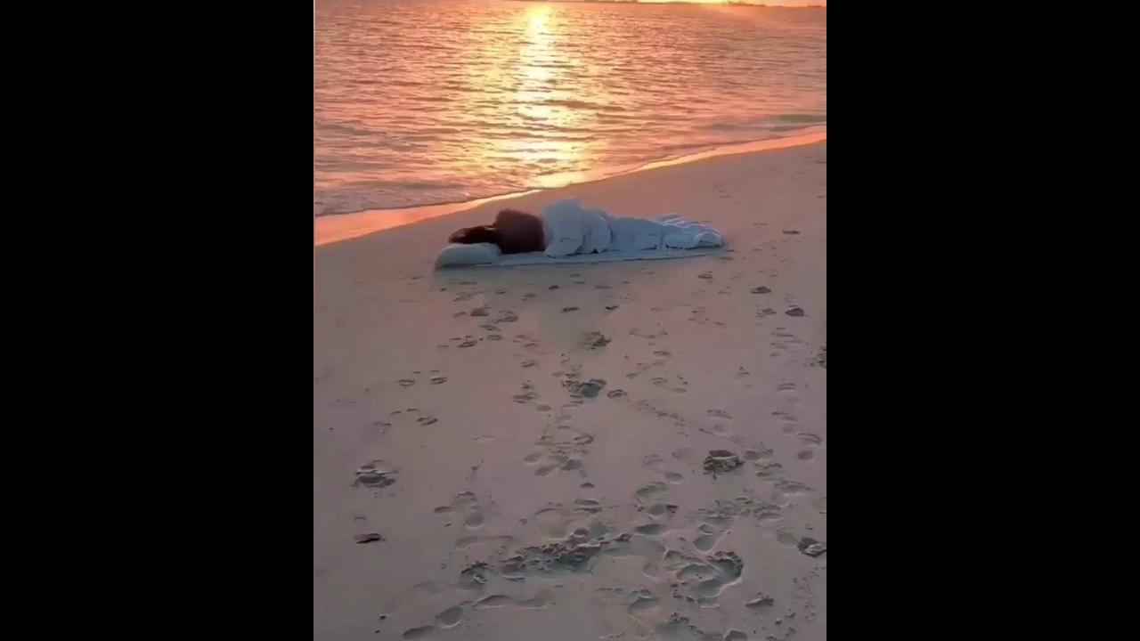 Vídeo mostrando nascer do sol a beira mar em Bahamas