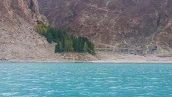 Vídeo Mostrando Pedacinho Do Lago Hunza No Paquistão, Veja Que Lindo!