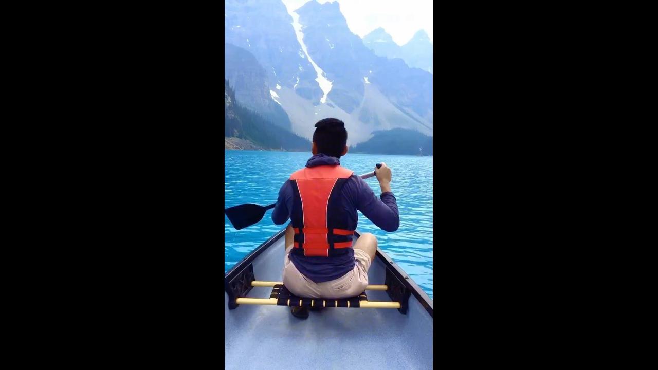 Vídeo mostrando pedacinho do Lago Moraine no Canadá