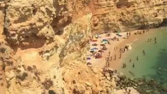 Vídeo Mostrando Praia De Marinha Algarve, Vale A Pena Conferir!