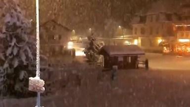 Vídeo Mostrando Uma Nevasca Olha Só Que Lindas Imagens, A Natureza É Maravilhosa