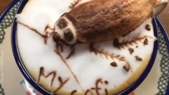 Café Com Barata Desenhada No Chantili, Simplesmente Apavorante!