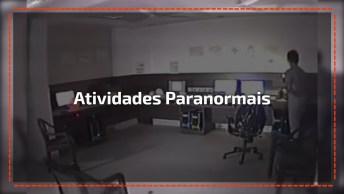 Homem Filma Atividades Paranormais Em Uma Sala, Simplesmente Assustador!