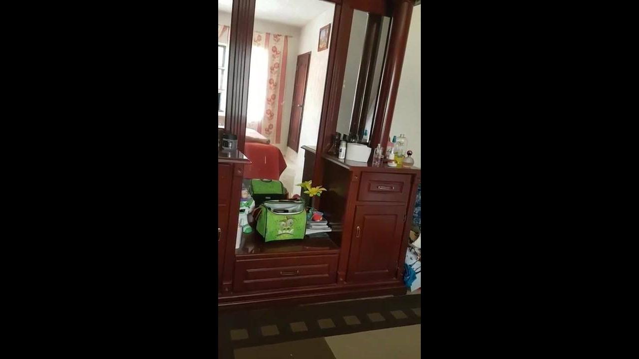 Vídeo com atividade paranormal em na casa deste homem, simplesmente assustador!