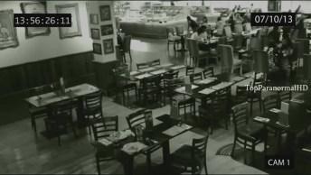 Vídeo Com Fantasmas Que Foram Capturados Em Filmagens, Simplesmente Assustador!